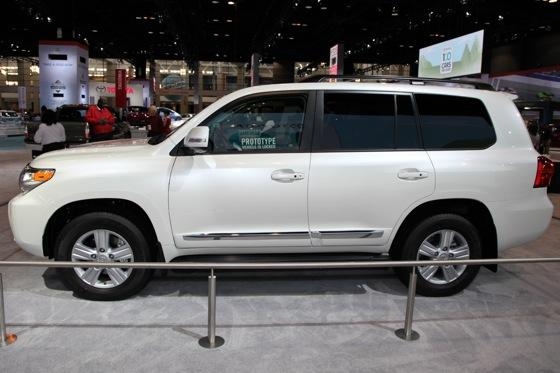 2013 Toyota Land Cruiser: Chicago Auto Show featured image large thumb7