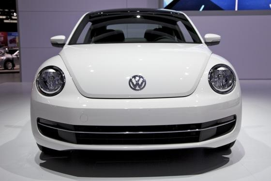 2013 Volkswagen Beetle TDI: Chicago Auto Show featured image large thumb2