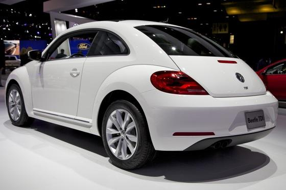 2013 Volkswagen Beetle TDI: Chicago Auto Show featured image large thumb4