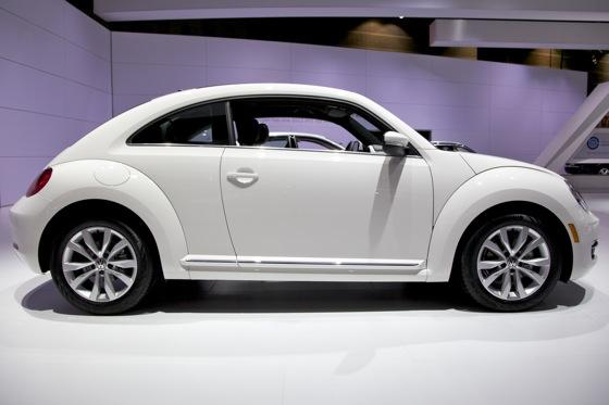 2013 Volkswagen Beetle TDI: Chicago Auto Show featured image large thumb7