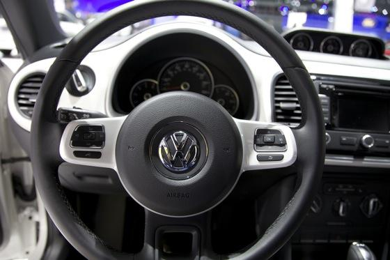 2013 Volkswagen Beetle TDI: Chicago Auto Show featured image large thumb13
