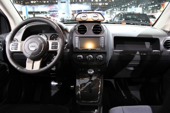 Mopar Unveils Four Custom Vehicles: Chicago Auto Show featured image large thumb28