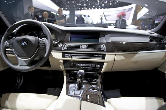 2012 BMW ActiveHybrid 5: Detroit Auto Show featured image large thumb7