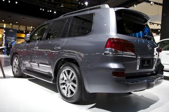 2012 Lexus LX 570: Detroit Auto Show featured image large thumb3