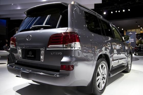 2012 Lexus LX 570: Detroit Auto Show featured image large thumb4