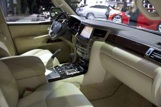 2012 Lexus LX 570: Detroit Auto Show featured image large thumb9