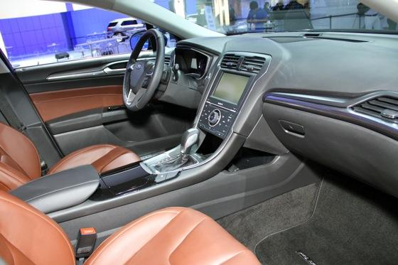 2013 Ford Fusion: Detroit Auto Show featured image large thumb10