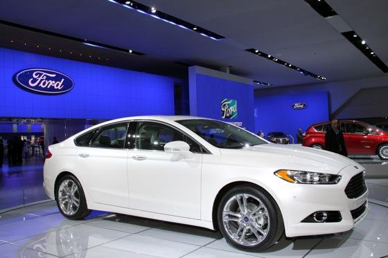 2013 Ford Fusion: Detroit Auto Show featured image large thumb1