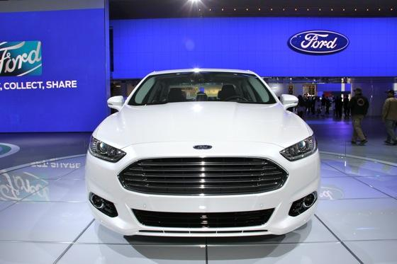 2013 Ford Fusion: Detroit Auto Show featured image large thumb5