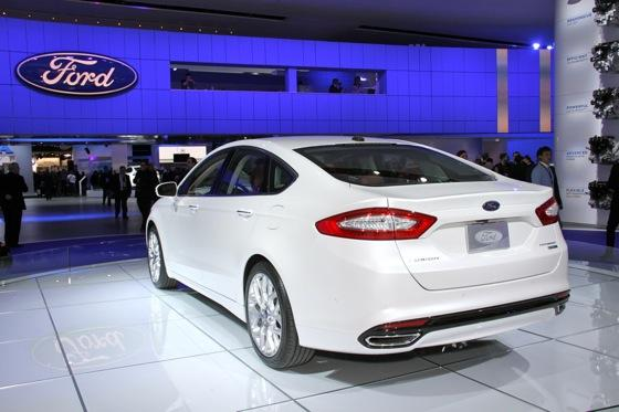 2013 Ford Fusion: Detroit Auto Show featured image large thumb7
