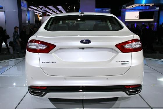 2013 Ford Fusion: Detroit Auto Show featured image large thumb4