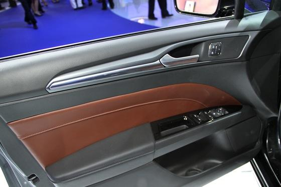 2013 Ford Fusion: Detroit Auto Show featured image large thumb16