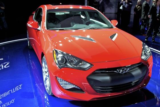 2013 Hyundai Genesis Coupe: Detroit Auto Show featured image large thumb1