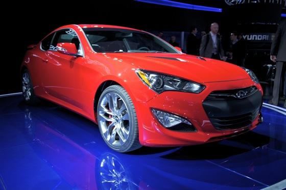 2013 Hyundai Genesis Coupe: Detroit Auto Show featured image large thumb2