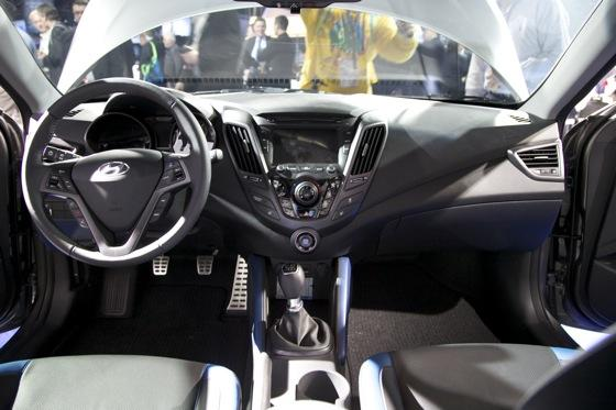 2013 Hyundai Veloster Turbo: Detroit Auto Show featured image large thumb9