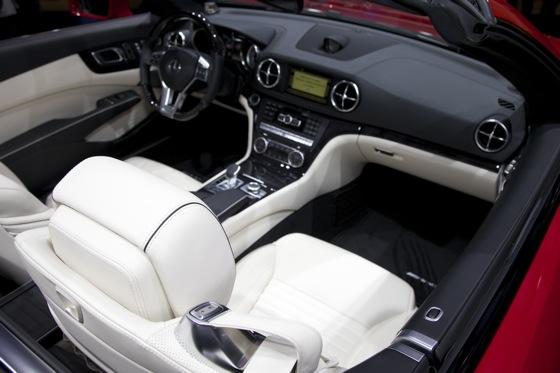 2013 Mercedes SL-Class: Detroit Auto Show featured image large thumb6