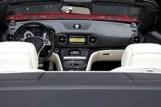 2013 Mercedes SL-Class: Detroit Auto Show featured image large thumb8