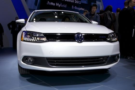 2013 Volkswagen Jetta Hybrid: Detroit Auto Show featured image large thumb3
