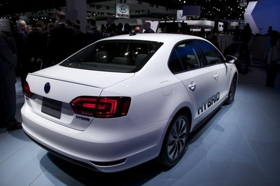 2013 Volkswagen Jetta Hybrid: Detroit Auto Show featured image large thumb5