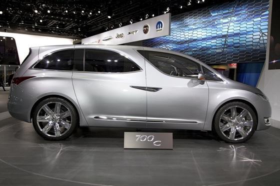 Chrysler 700C Minivan Concept: Detroit Auto Show featured image large thumb2