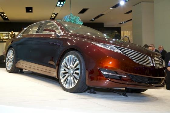 Lincoln MKZ Concept: Detroit Auto Show featured image large thumb3