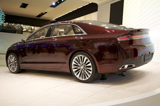 Lincoln MKZ Concept: Detroit Auto Show featured image large thumb5