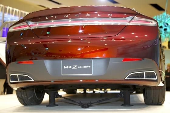 Lincoln MKZ Concept: Detroit Auto Show featured image large thumb7