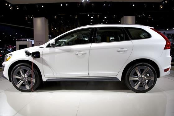 volvo xc60 plug in hybrid concept detroit auto show autotrader. Black Bedroom Furniture Sets. Home Design Ideas