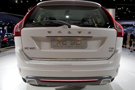 Volvo XC60 Plug-In Hybrid Concept: Detroit Auto Show featured image large thumb3