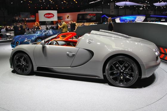 bugatti veyron 16 4 grand sport vitesse geneva auto show autotrader. Black Bedroom Furniture Sets. Home Design Ideas