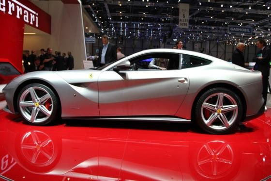2013 Ferrari F12 Berlinetta: Geneva Auto Show featured image large thumb1