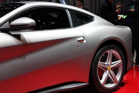 2013 Ferrari F12 Berlinetta: Geneva Auto Show featured image large thumb8