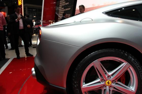 2013 Ferrari F12 Berlinetta: Geneva Auto Show featured image large thumb11