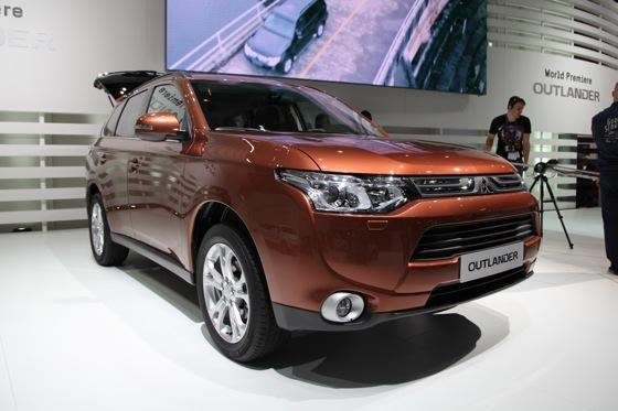 2013 Mitsubishi Outlander: Geneva Auto Show featured image large thumb0