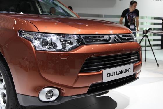2013 Mitsubishi Outlander: Geneva Auto Show featured image large thumb1