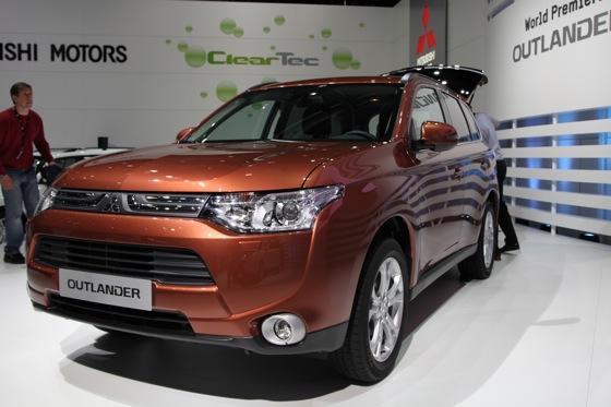2013 Mitsubishi Outlander: Geneva Auto Show featured image large thumb5