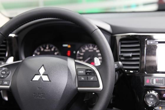 2013 Mitsubishi Outlander: Geneva Auto Show featured image large thumb12
