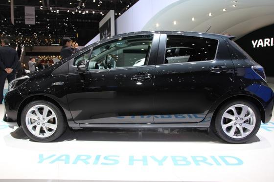 Toyota Yaris Hybrid: Geneva Auto Show featured image large thumb2