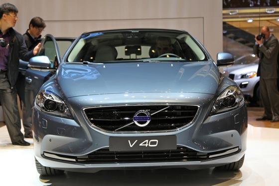 2013 Volvo V40: Geneva Auto Show featured image large thumb1