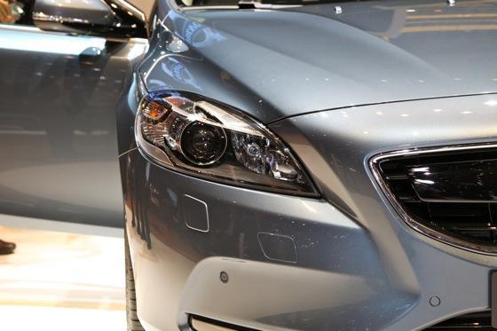 2013 Volvo V40: Geneva Auto Show featured image large thumb2