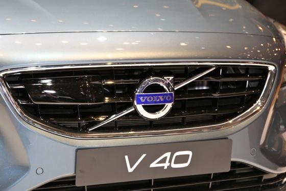 2013 Volvo V40: Geneva Auto Show featured image large thumb3