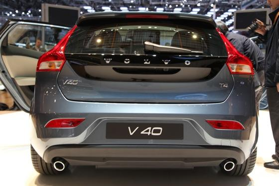 2013 Volvo V40: Geneva Auto Show featured image large thumb4