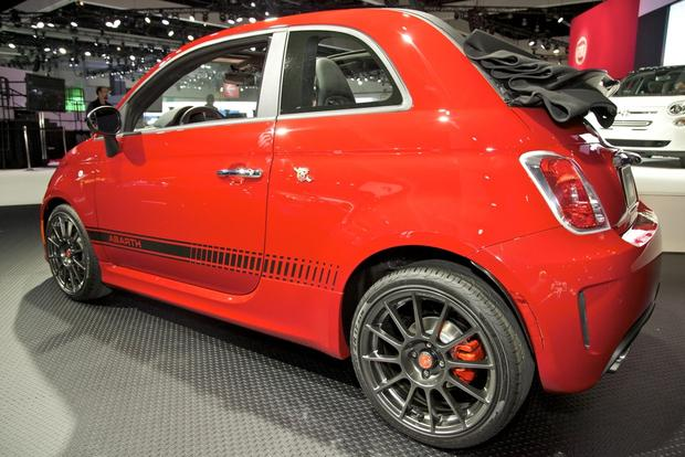 2013 FIAT 500 Lineup Grows: LA Auto Show featured image large thumb22