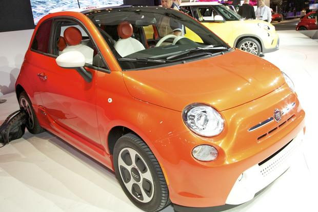 2013 FIAT 500 Lineup Grows: LA Auto Show featured image large thumb18