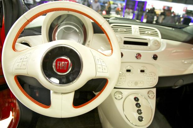 2013 FIAT 500 Lineup Grows: LA Auto Show featured image large thumb21