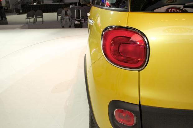 2013 Fiat 500L: LA Auto Show 2012 featured image large thumb4