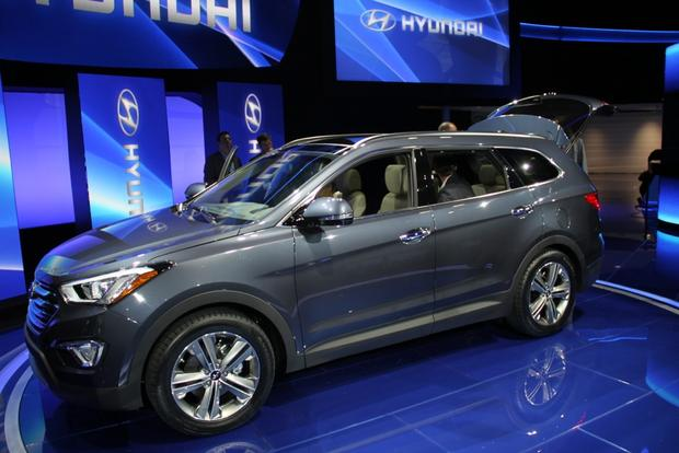 2013 Hyundai Santa Fe: LA Auto Show featured image large thumb0