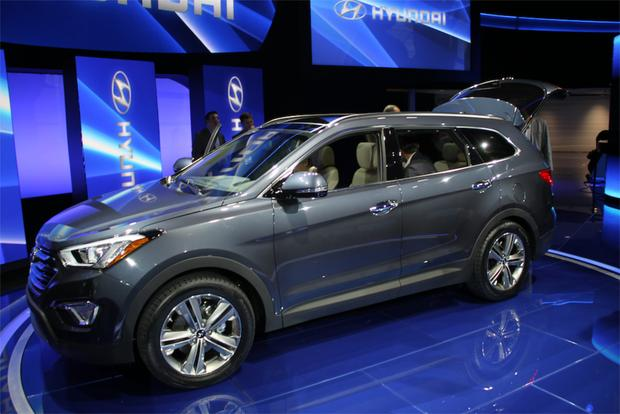 2013 Hyundai Santa Fe: LA Auto Show featured image large thumb1