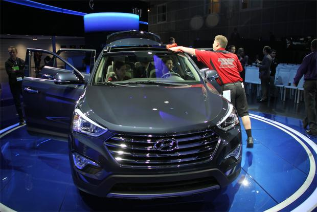 2013 Hyundai Santa Fe: LA Auto Show featured image large thumb3