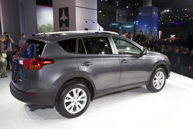 2013 Toyota RAV4: LA Auto Show featured image large thumb4